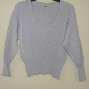 Free People balloon sleeve sweater size small V12